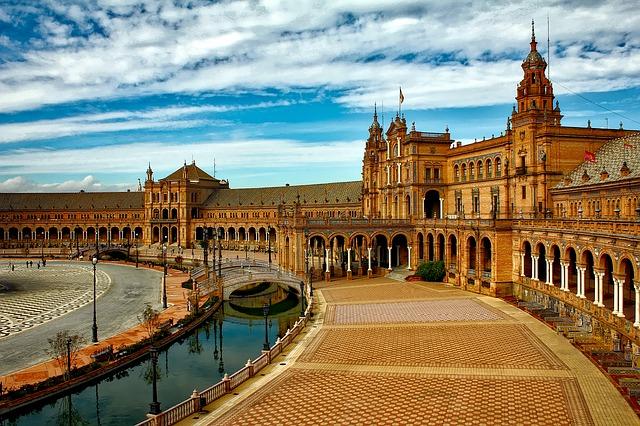Fuente de Cantos - Sevilla
